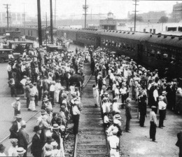 Mexicans being deported from Los Angeles, 1931