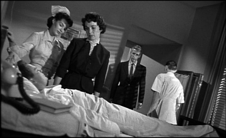 Kiss_Me_Deadly_MGM_R1_DVD_01116